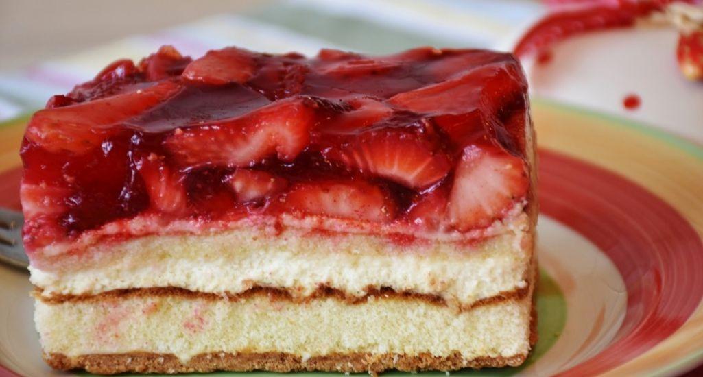 tartas dulces con gelatina y cremas